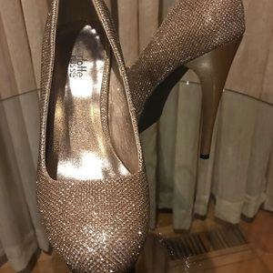 Gold Glittery Platform Heels